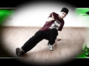 Jak wykonać three step w breakdance