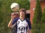 Jak kręcić piłką na palcu