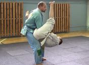 Jak zakładać dźwignie na ręce w brazylijskim jiu-jitsu