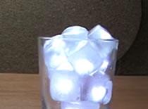 Jak zrobić świecące kostki lodu