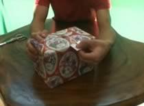 Jak zrobić opakowanie na prezent, które łatwo otworzyć