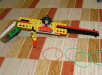 Jak z Lego zrobić pistolet na korbkę