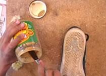 Jak usunąć gumę za pomocą ... masła orzechowego