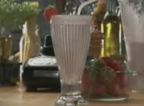 Jak przyrządzić truskawkowego shakea