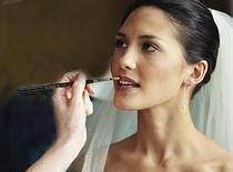 Jak zrobić perfekcyjny makijaż ślubny