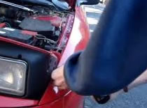 Jak wymienić żarówkę w nowym samochodzie