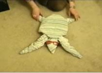 Jak zwinąć ręcznik w kształt homara i żółwia