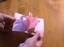 Jak zrobić rozkładanego kwiatka z papieru