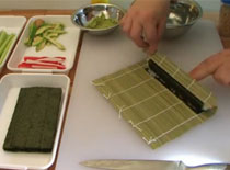 Jak zrobić sushi - maki z ogórkiem