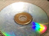 Jak usuwać zarysowania z płyt CD i DVD