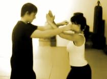 Jak bronić się przed napastnikiem - Kung Fu dla niewysokich