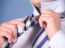 Jak wiązać krawat z klasą - węzeł windsorski