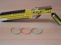 Jak zrobić karabin z Lego na gumki