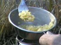 Jak zrobić jajecznicę w warunkach polowych