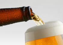 Jak nalewać piwo bez piany