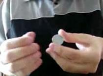 Jak wykonać 3 proste sztuczki z monetą