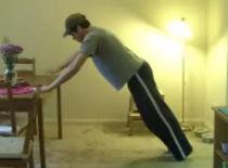 Jak ćwiczyć w biurze - ramiona