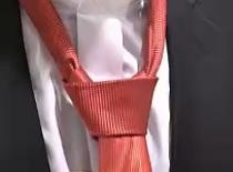 Jak wiązać krawat - węzeł windsorski