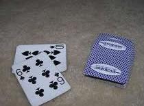 Jak wykonać trik z wyskakującą kartą