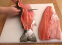 Jak filetować łososia - filetowanie ryby na sushi