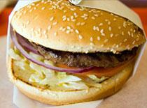 Jak zrobić burgera z mięsa baraniego i z koźlim serem