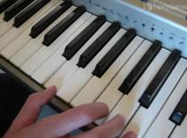 Jak zagrać utwór Pet Shop Boys - Go West - keyboard