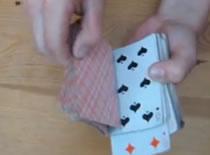 Jak wyszukać kartę po włożeniu jej do talii