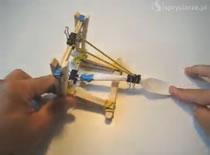 Jak zrobić katapultę na biurko