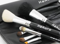 Jak zdezynfekować pędzle od makijażu