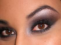 Jak zrobić makijaż - szare smokey eyes