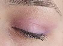 Jak zrobić jasno różowy makijaż na co dzień