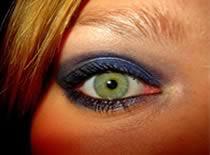 Jak zrobić granatowy makijaż na studniówkę