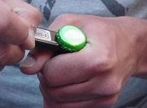 Jak otworzyć piwo za pomocą papieru
