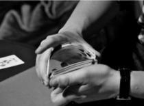 Jak efektownie przekładać karty