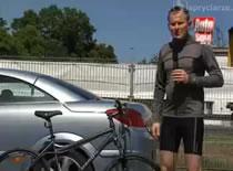 Jak włożyć rower do bagażnika samochodu