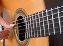 Jak szukać opracowań do gry na gitarze