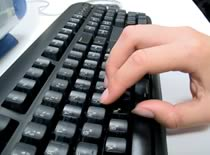 Jak uruchamiać komputer za pomocą klawiatury