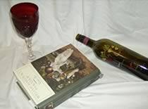 Jak otworzyć wino za pomocą książki