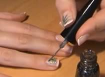 Jak namalować zieloną spadającą gwiazdę na paznokciach