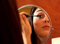 Jak prawidłowo nosić soczewki kontaktowe-samokontrola