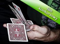 Jak wykonać trik z kartami i monitorem