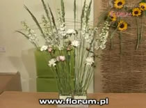 Jak wykonać efektowną dekorację z kwiatów