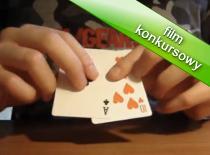 Jak wykonać przenikanie karty przez stół
