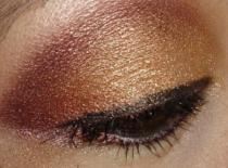 Jak zrobić rdzawy makijaż