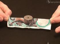 Jak wykonać sztuczkę z balansującą monetą