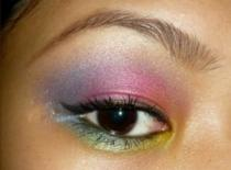 Jak zrobić kolorowy makijaż