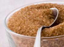 Jak zrobić peeling do ciała z brązowego cukru (Home SPA)
