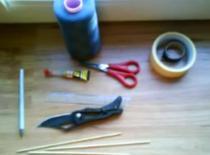 Jak zrobić mały łuk z wykałaczek