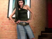 Jak zrobić spódnicę do kolan z jeansów
