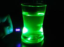 Jak zrobić fluorescencyjny płyn